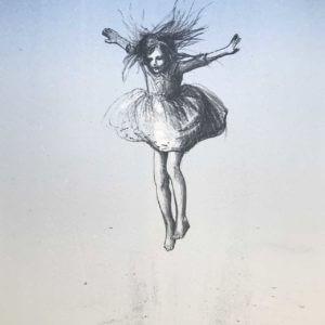 Jente hopper svever
